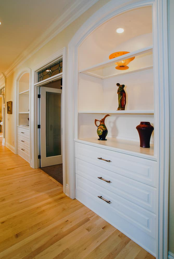 Salem Oregon | Hallway Art Display Cabinetry